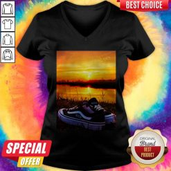 Official Sunset Sport Shoes Picture V-neck
