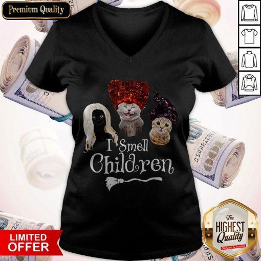Official Cats Hocus Pocus I Smell Children V-neck