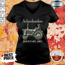 Ackerdemiker Bachelor Of Harte Arbeit V-neck-Design By Soyatees.com