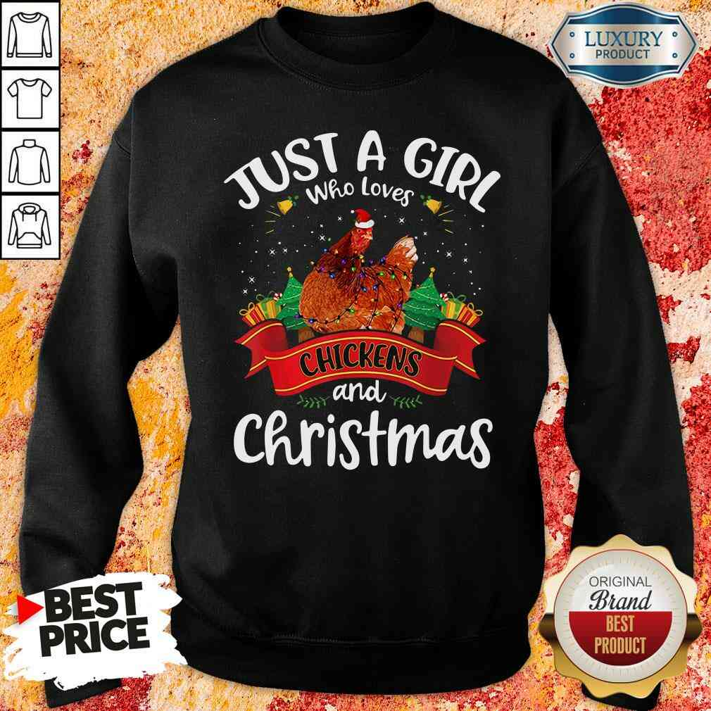 Pretty Just A Girl Who Love Chickens And Christmas Sweatshirt-Design By Soyatees.com
