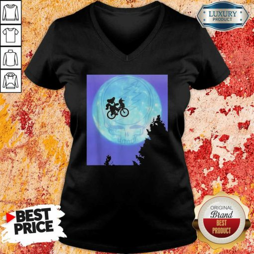Bear Cycling The Moon Grateful Dead V-neck-Design By Soyatees.com