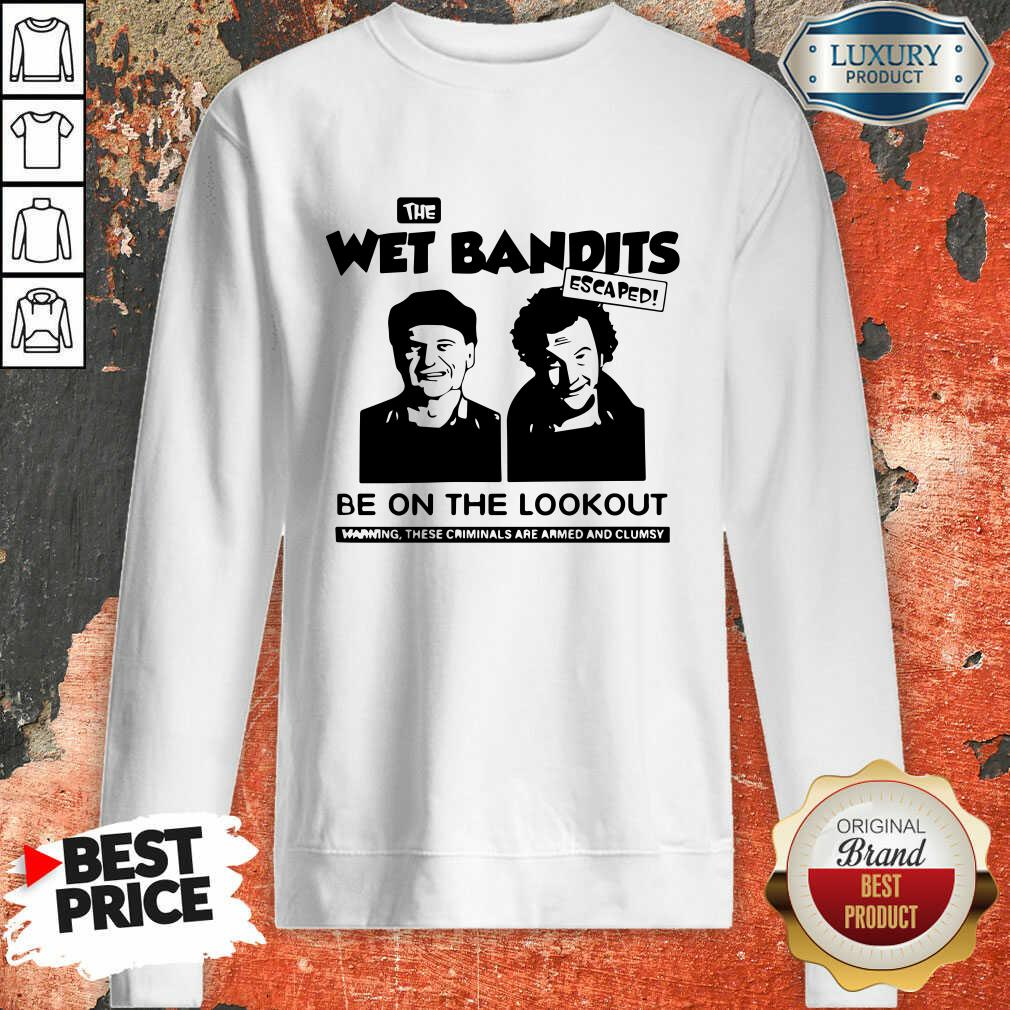 The Wet Bandits Escaped Be On The Lookout Sweatshirt-Design By Soyatees.com