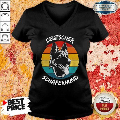 Vintage Deutscher Schäferhund Dog Funny V-neckDesign By Soyatees.com