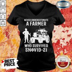 Never Underestimate A Farmer Who Survived Snovid 21 V-neck - Design by Soyatees.com